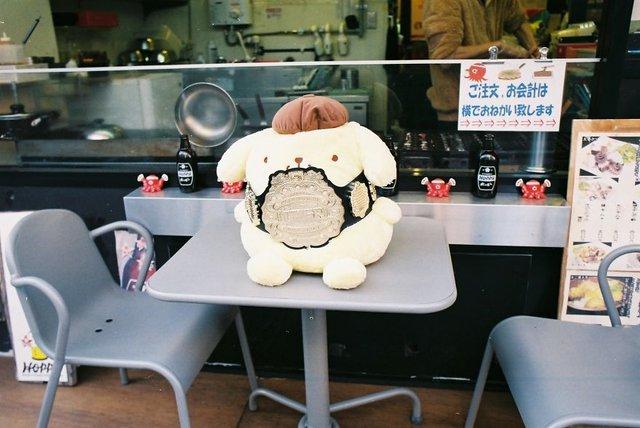 Життя та мода на вулицях Японії: незвичайні фото - фото 308617