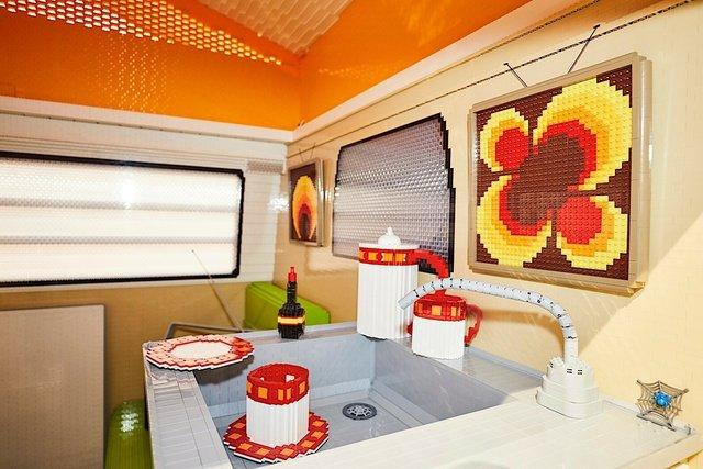 400 тисяч деталей Lego: на виставці показали повнорозмірну копію фургона Volkswagen - фото 309050