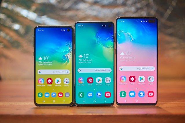 Samsung представив кілька версії Galaxy S10 - фото 309062