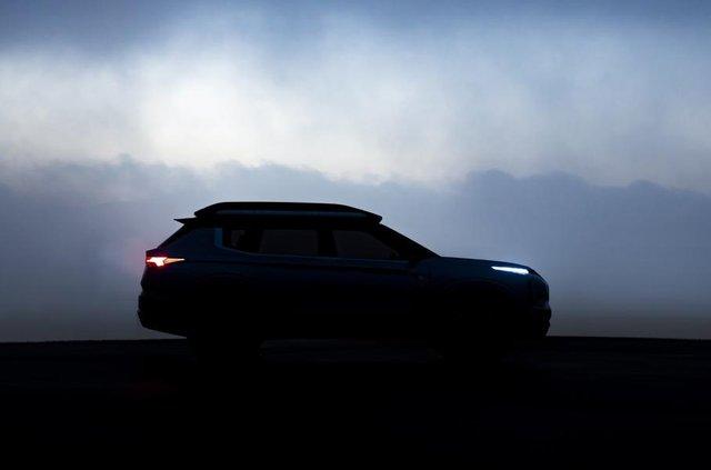 Нове фото електричного позашляховика Mitsubishi - фото 309106