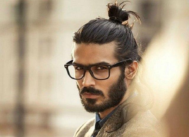 Чоловічі зачіски з пучком - фото 309135