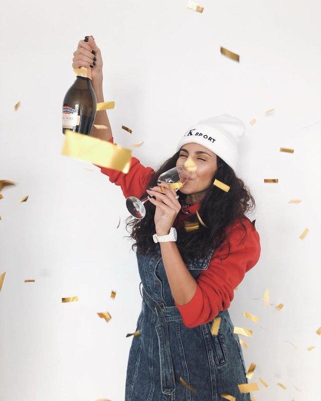 Настя Каменських святкує успіх нового кліпу - фото 309250