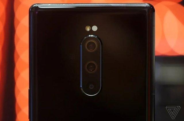 Sony представила потужний смартфон Xperia 1 - фото 309818