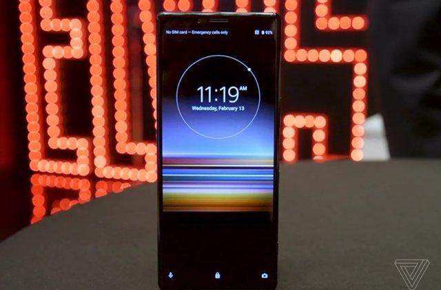 Sony представила потужний смартфон Xperia 1 - фото 309820