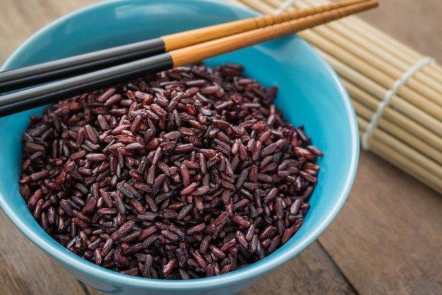 Як виглядає чорний дикий рис  - фото 309863