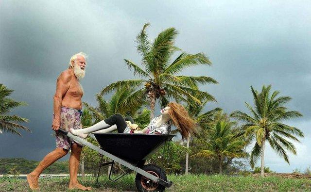 Сучасний Робінзон: мільйонер вже 26 років живе на безлюдному острові - фото 310119