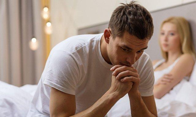 Низький рівень тестостерону впливає на інтимне життя - фото 310568