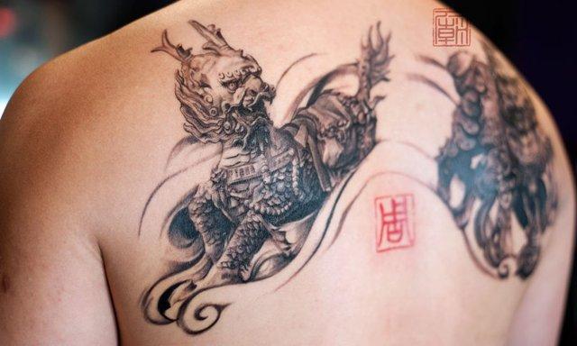 Чоловічі татуювання 2019: ТОП ідей тату для чоловіків і хлопців у фото - фото 310572