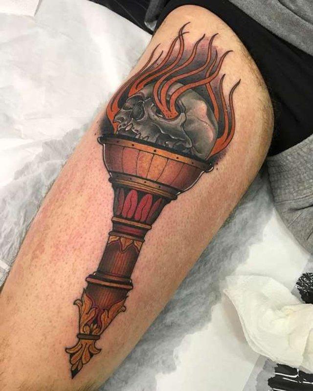 Татуювання на стегно - фото 310575
