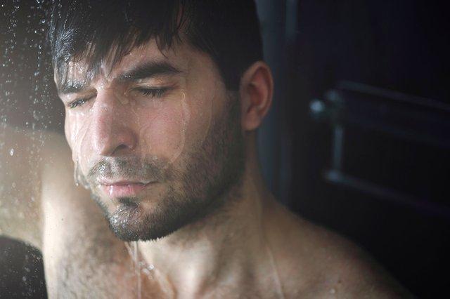 Регулярне миття голови не впливає на облисіння - фото 310742