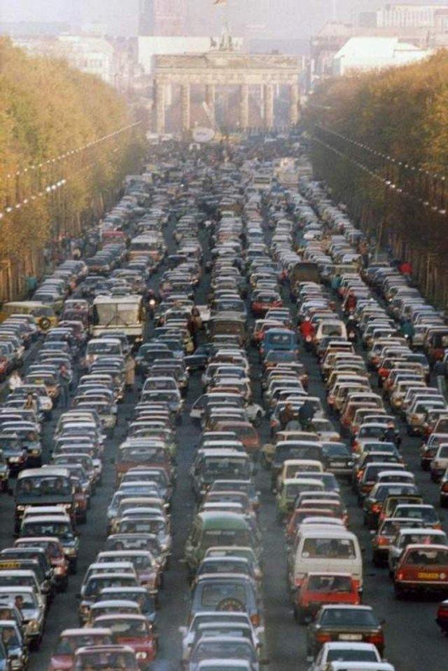 Наймасштабніші в історії автомобільні затори у фото - фото 310743