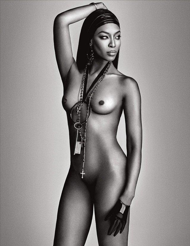 Моделі 90-х: як змінилася британська секс-бомба Наомі Кемпбелл (18+) - фото 310800