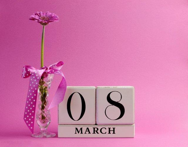 Картинки з 8 березня 2020: вітальні відкритки та листівки українською - фото 311015