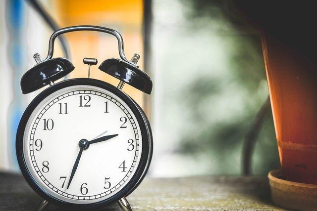 Скасування переведення годинників планувалося у 2019 році - фото 312396