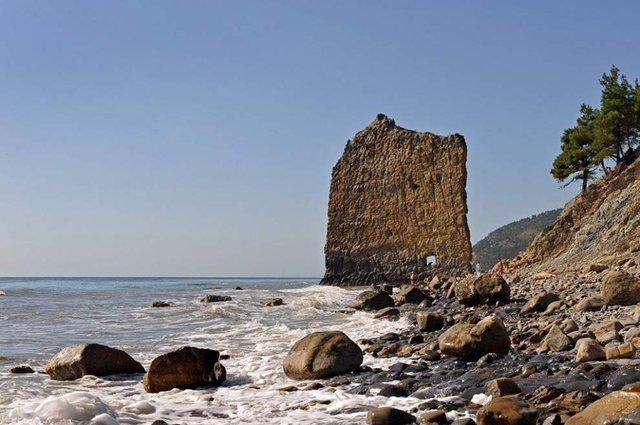 Так виглядають найкрасивіші в світі морські скелі - фото 312505
