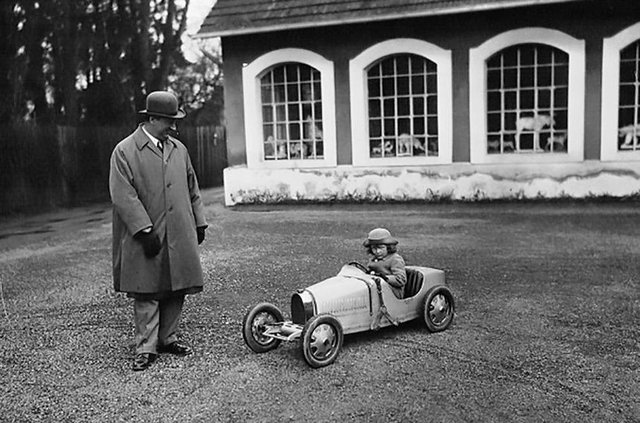 Bugatti показала електромобіль для дітей за 30 тисяч євро - фото 313506