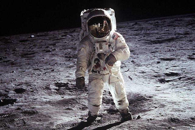 У 2028 році NASA планує запустити людей на місяць - фото 313613