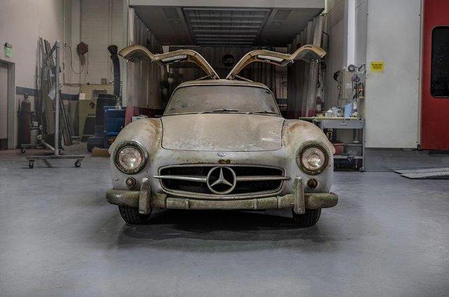Простояв 60 років: у гаражі знайшли Mercedes-Benz 300SL Gullwing - фото 313941