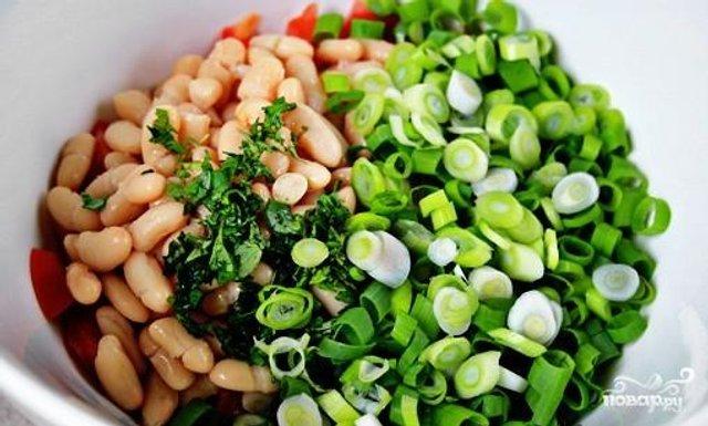 Найпростіший салат з консервованою квасолею  - фото 314402