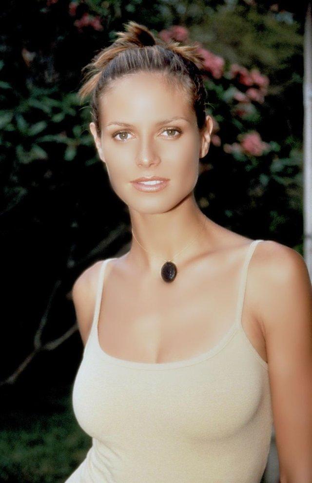 Моделі 90-х: як змінилася сексуальна німкеня Хайді Клум (18+) - фото 315348