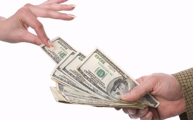 Чому не можна чіпати чужі гроші - фото 316473