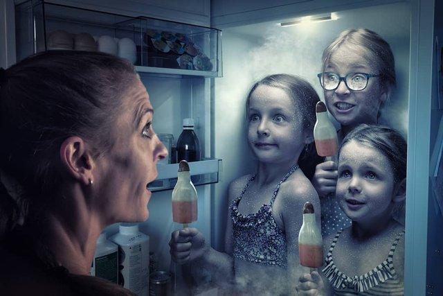 Креативний батько робить оригнальні знімки зі своїми дітьми