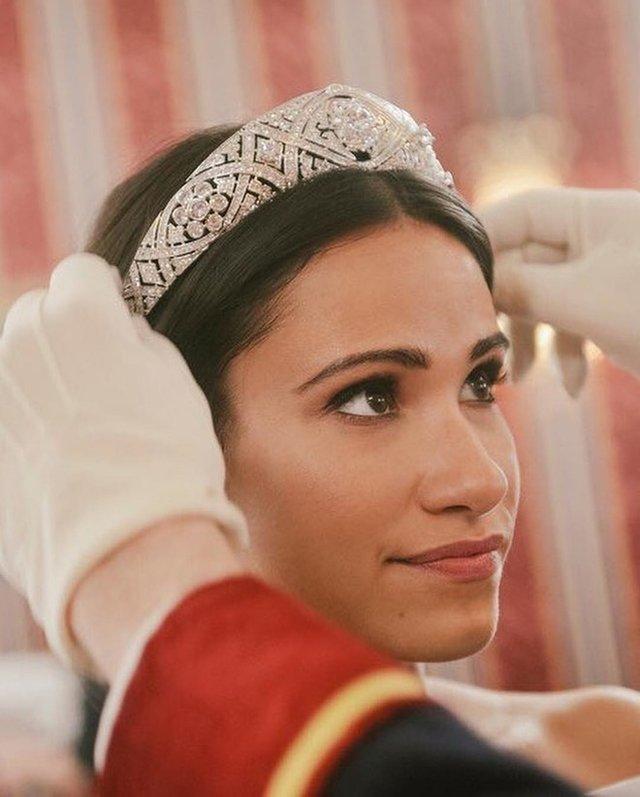У мережі з'явилися кадри з фільму 'Гаррі і Меган: становлення королівської пари' - фото 317088