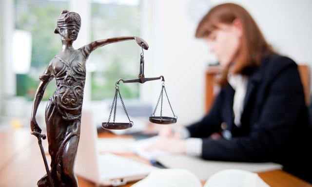 Сьогодні спілкуємося з адвокатом  - фото 317438