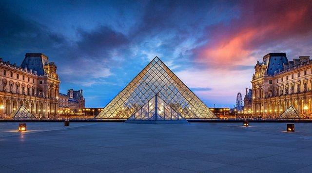 Паризький Лувр - фото 317631