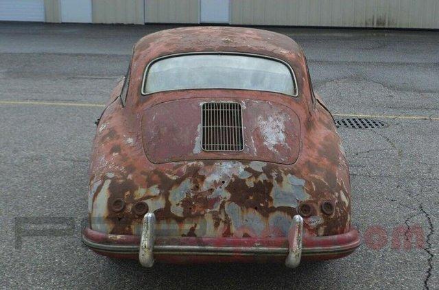 Заржавілий Porsche 356 оцінили дорожче, ніж новенький Cayenne