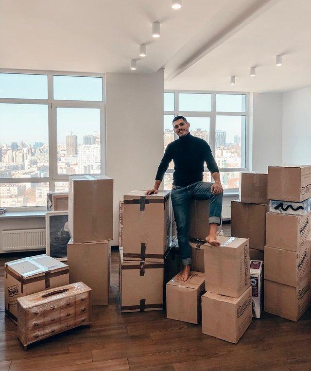 Нікіта Добринін переїхав у нову квартиру - фото 319220