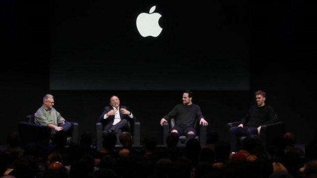 Канадські хокеїсти зняли крутий ролик на iPhone: Apple не змогла не поділитись результатом - фото 321232