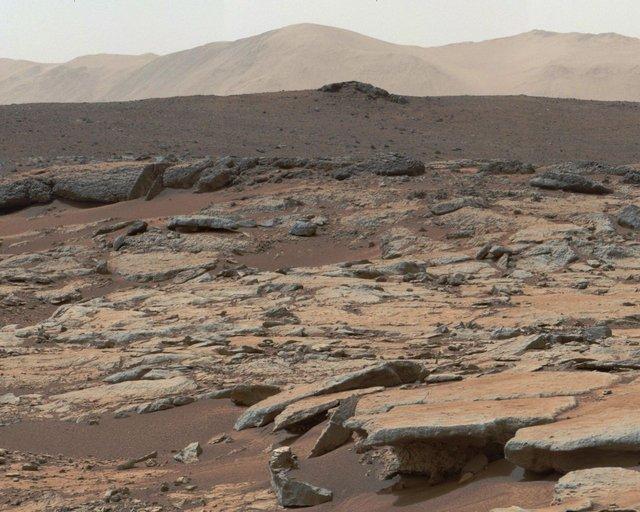 Існує життя на Марсі? Новий знімок від NASA викликав ажіотаж у мережі - фото 321285