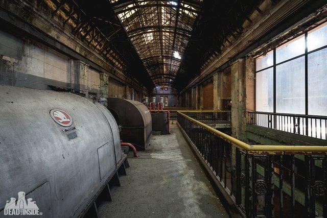 Як виглядає одна із найбільших забутих електростанцій Польщі: вражаючі фото - фото 321318