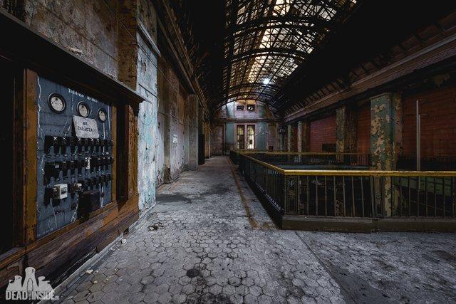 Як виглядає одна із найбільших забутих електростанцій Польщі: вражаючі фото - фото 321322