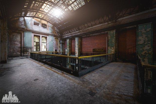 Як виглядає одна із найбільших забутих електростанцій Польщі: вражаючі фото - фото 321323