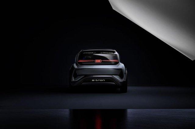Audi показала конкурента електричного Volkswagen ID - фото 321474