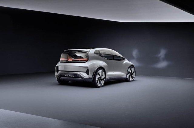 Audi показала конкурента електричного Volkswagen ID - фото 321482