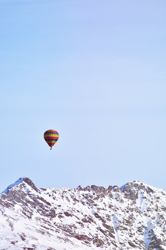 У гірському повітрі знайшли частинки мікропластику - фото 321644