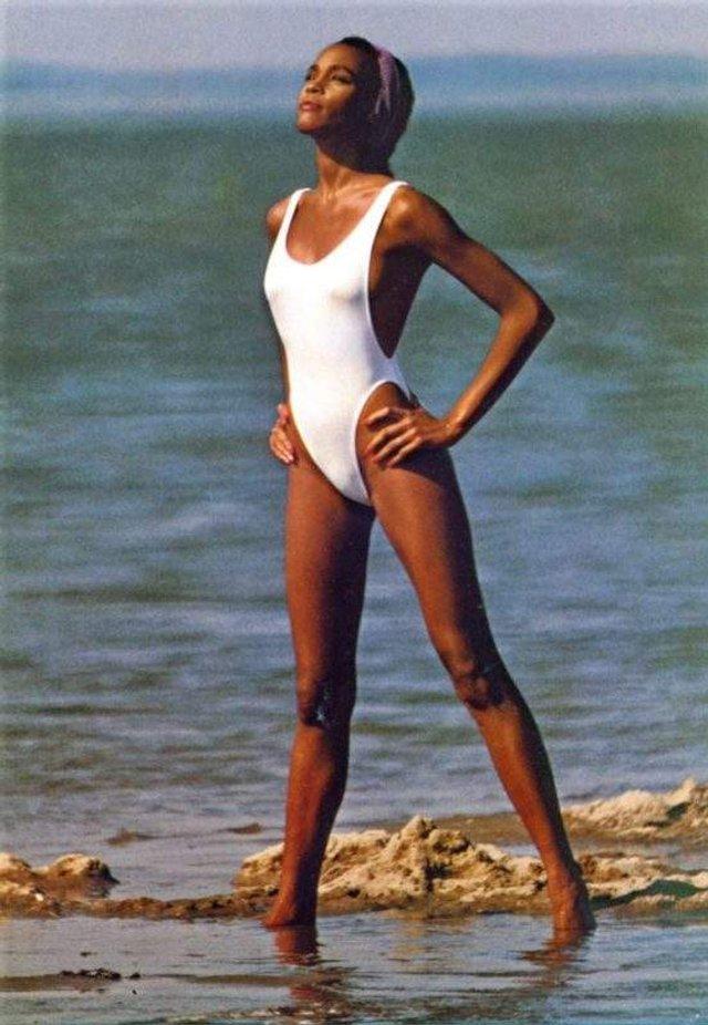 Як виглядала Вітні Х'юстон на початку своєї кар'єри - фото 321812