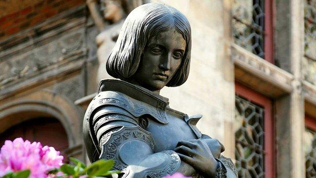 Жанну Д'арк канонізували у Ватикані - фото 321915
