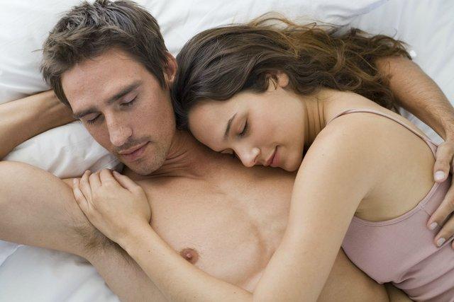 Красиві люди не засуджують інтимне життя інших - фото 322080