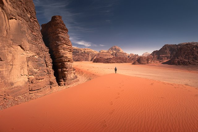 Фотограф показав пейзажі Марсу на нашій планеті: вражаючі кадри - фото 322192