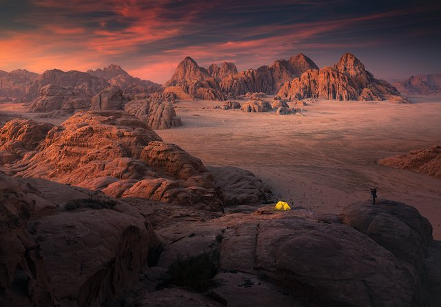 Фотограф показав пейзажі Марсу на нашій планеті: вражаючі кадри - фото 322193