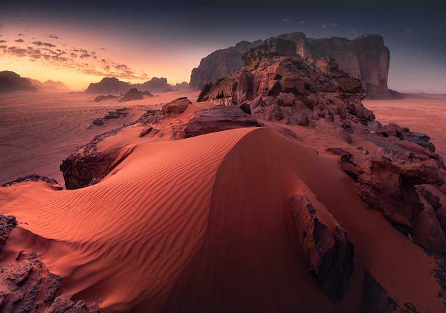Фотограф показав пейзажі Марсу на нашій планеті: вражаючі кадри - фото 322199