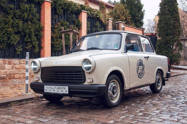 Справжня легенда: тюнер удосконалив старенький Trabant - фото 322304