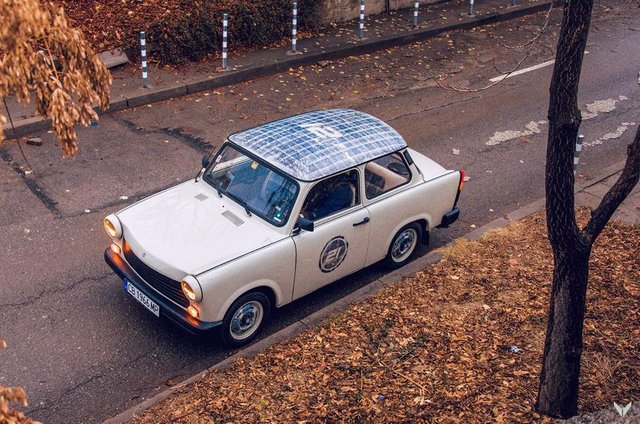 Справжня легенда: тюнер удосконалив старенький Trabant - фото 322309