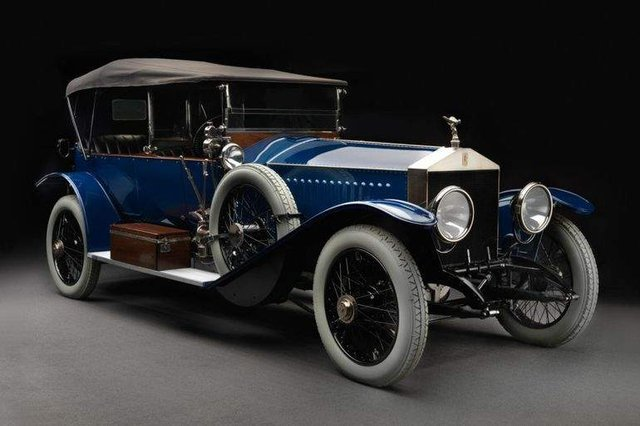 Так виглядає перший Rolls-Royce, привезений в Україну - фото 322530