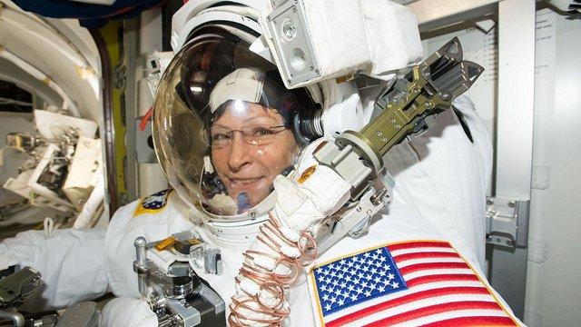 Крістіна Кох планує побити рекорд з безперервного перебування у космосі - фото 322533