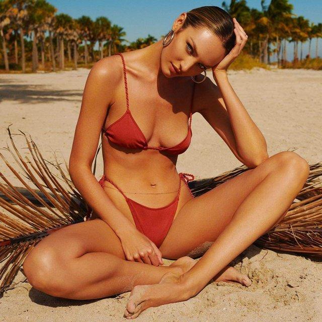 Ангел Victoria's Secret похвалилася стрункою фігурою в бікіні - фото 322604